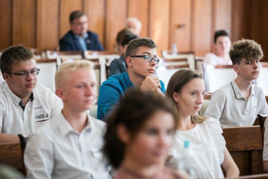 Sejmik młodzieży o historii i przyszłości województwa