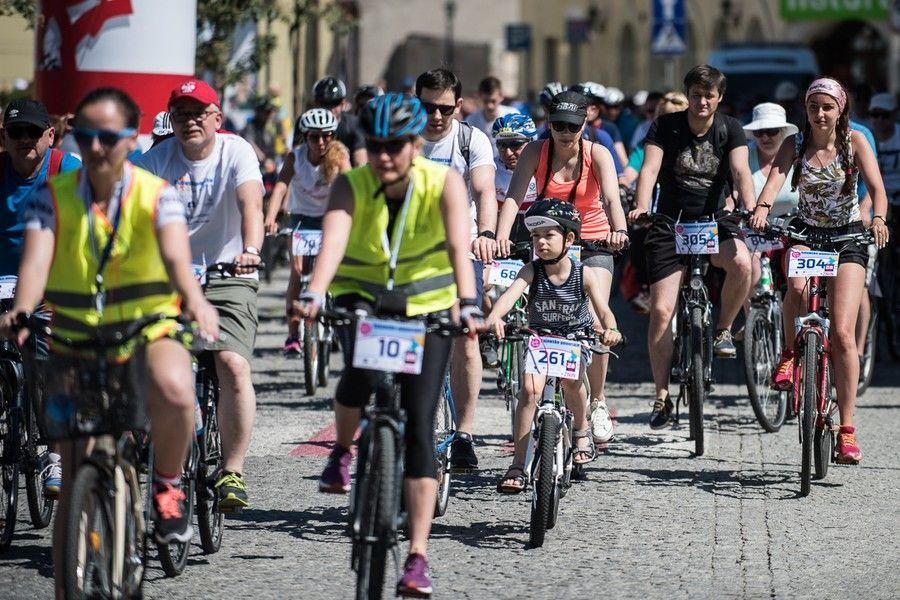 Rodzinny rajd rowerowy w Żninie, 2017 r., fot. Tymon Markowski
