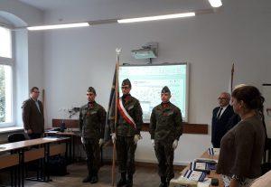 Prezentacja pocztu klasy mundurowej VIII LO